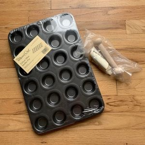 Deluxe Mini Muffin Pan & Mini-Tart Shaper